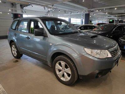 käytetty Subaru Forester 2,0 X TD BR ** Suomi-auto / Koukku / Vakkari / Ilmastointi / Lohkolämmitin **