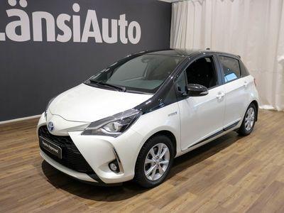 käytetty Toyota Yaris 1,5 Hybrid Style 5ov ** Peruutuskamera - Kaistavahti ** **** Tähän autoon 12kk maksuton lisäturva €