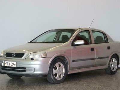 käytetty Opel Astra 1.6 Comfort 4ov AT * Ilmastointi* Vetokoukku* Lohkolämmitin*
