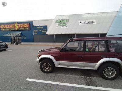 käytetty Mitsubishi Pajero huoltoauto