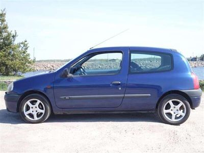 käytetty Renault Clio 1.4 RN 5d AJ 175