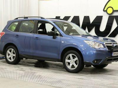 käytetty Subaru Forester 2,0i X CVT / Lohkolämmitin / LED-paneeli / Vetokoukku /