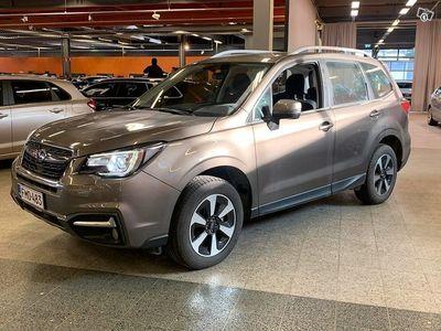 käytetty Subaru Forester 2,0i XS Edition CVT ** Vähän ajettu / Suomi-auto / 1-omistaja / Kamera / Ratinlämmitin **
