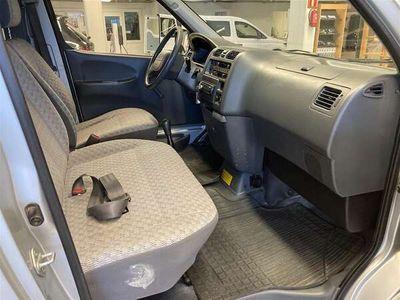 käytetty Toyota HiAce HiaceLyhyt 2.5TD D4D 4WD