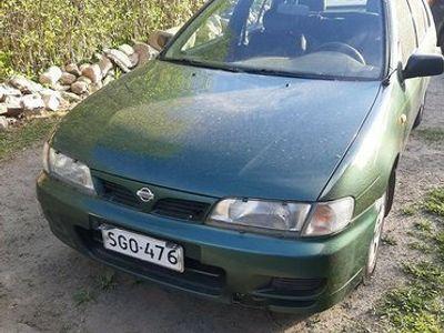 käytetty Nissan Almera n15 vm96 1.4l hatchback