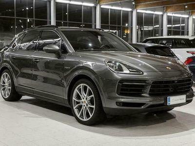 käytetty Porsche Cayenne E-Hybrid, Entry & Drive, Panorama, 14 suunt. ist., BOSE, Koukku, Aktiivi Cruise, Ilmajouset *Korko 2,99%*