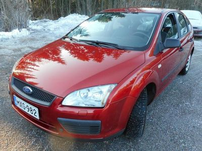 käytetty Ford Focus 1,6 100hv Trend 5d
