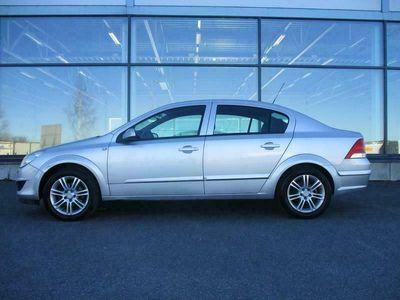 käytetty Opel Astra Astra SEDAN ENJOY COMFORT EDITION 1.6 TWINPORT 115HV, *VÄHÄN AJETTU JA 100% HUOLLETTUJOPA ILMAN KÄSIRAHAA!