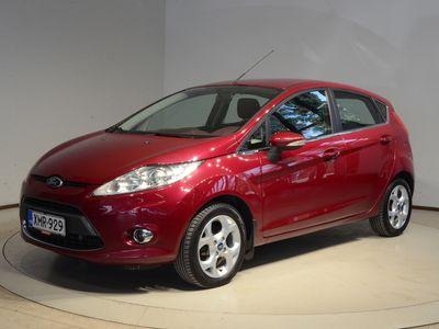 käytetty Ford Fiesta 1,4 96 hv autom. Titanium A4 5-ovinen - Aux-liitin / Bluetooth /