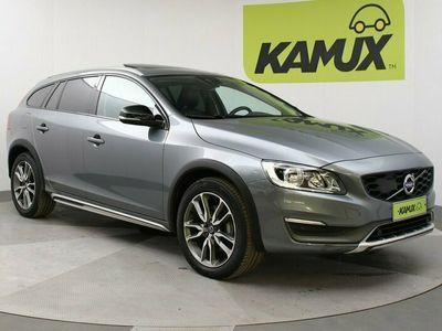 käytetty Volvo V60 CC D3 Summum // Navigointi / Nahkapenkit / Kattoluukku //