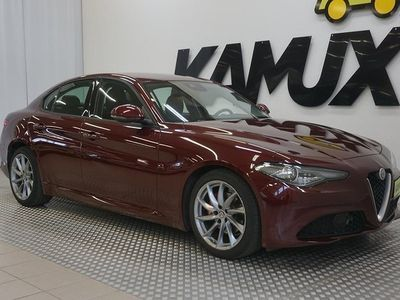 käytetty Alfa Romeo Giulia 2,2 Diesel 150hp AT Super **UUDET TALVIRENKAAT, NAVI, BI-XENON, KEYLESS, TUTKAT!!**