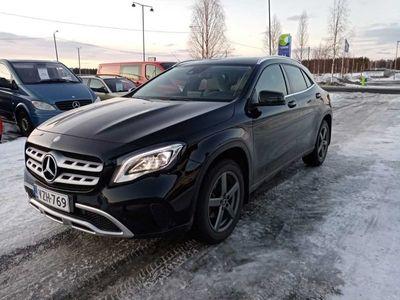 käytetty Mercedes GLA200 d 4Matic A Premium Business (MY17) - Vähän ajettu neliveto GLA huippuvarustein!