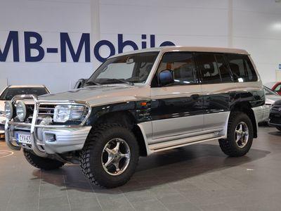 käytetty Mitsubishi Pajero 3,5 V6 A / Uudet Mud Terrainit / 7P / Vakkari / Ilmastointi /