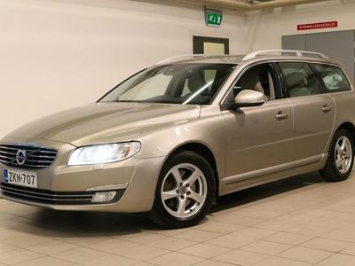 käytetty Volvo V70 D4 AWD Classic aut/ KOUKKU/NAHAT/POLTTOAINTOIMINEN LISÄLÄMMITIN/NAVI