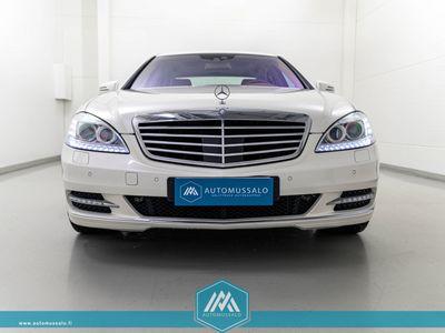 käytetty Mercedes S400 HYBRID Exclusive *Huippuvarusteet! Webasto, Harman & Kardon, Yönäkö, Ilmastoidut istuimet, Distronic, Kattoluukku*