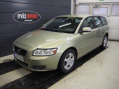 käytetty Volvo V50 1,6D Momentum man, Webasto, Jakopää ja vesipumppu 175 tkm, Täydellinen h-historia, Isofix, Vakkari, 2*Hyvät renkaat.