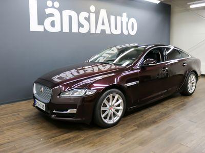 käytetty Jaguar XJ XJ V6 Diesel S Luxury **Ajettu vain 40 tkm, Huippuhieno Suomi 300hv, Navi, Nahat, Full Led-Valot, Täydellinen huoltokirja, Löytö**