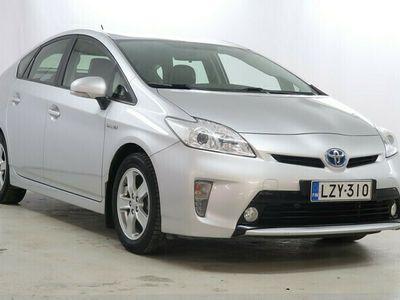 käytetty Toyota Prius HSD Linea Sol 5ov / Hyvillä varusteilla /