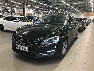 käytetty Volvo V60 D3 Business Summum ** Webasto / VOC / Digimittaristo / Navi / Pysäköintitutkat / Muistipenkki / Xeno