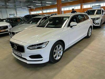 käytetty Volvo V90 D3 Momentum Lisälämmitin / Pilot Assist / Lane Assist / P-Tutkat / Adaptiiviset LED