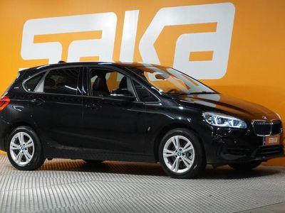 käytetty BMW 225 Active Tourer F45 225xe A Business Sport ** NAVIPLUS / P-Kamera / Tutkat / HUD / Sporttipenkit **