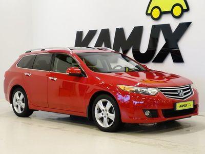 käytetty Honda Accord Tourer 5 2,0 Executive AT / Lasikatto / Nahat / Xenonit /