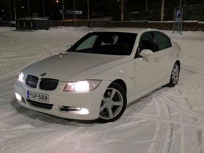 käytetty BMW 330 E90 i