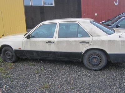 käytetty Mercedes 200 W124D
