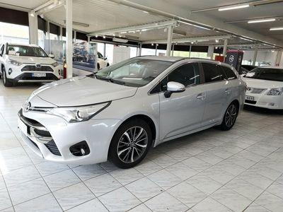 käytetty Toyota Avensis 1,8 Valvematic Active Edition Touring Sports Multidrive S / 1 om. / Koukku / Vähän ajettu / Navigoin