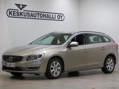 käytetty Volvo V60 T3 Business (Lämmitin) - Black Friday korko 0,99 %+kulut 30.11. asti