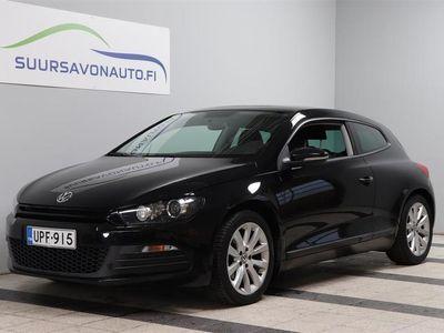 käytetty VW Scirocco 1,4 TSI 90 kW (122 hv) BlueMotion Technology ** Xenon / Panorama / Suomi-auto **