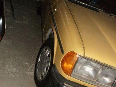 käytetty Mercedes E200 W123 sedan 1984