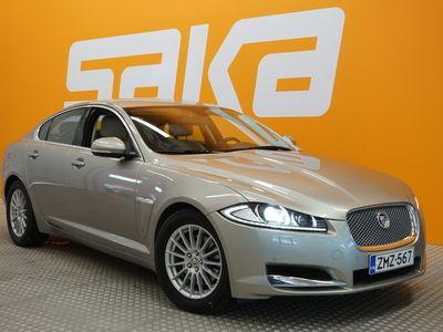 käytetty Jaguar XF 2,2 D ** Suomi-auto / Nahka-alcantara / Xenon-valot / Tutkat / Bluetooth **