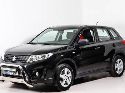 käytetty Suzuki Vitara 1,6 VVT 4WD GL 5MT - Neliveto - Vähän ajettu - Vetokoukku - Valorauta ja lisävalopaneeli!