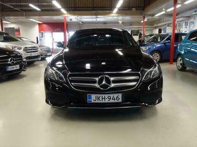 käytetty Mercedes E220 4Matic A Premium Pro *Navigaattori/Pysäköintipaketti/Kaistavahti*