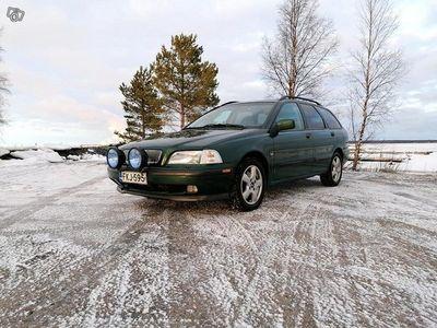 käytetty Volvo V40 1.8i T4 -99 295tkm