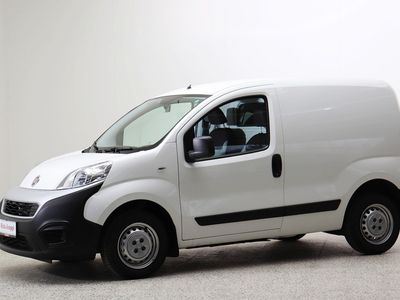 käytetty Fiat Fiorino Cargo 1,3 Multijet II 80 Edition Pack 3 - Näppärä pikku paku! Rek. 2/2021 Tehdas takuu.