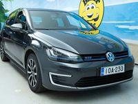 käytetty VW Golf GolfGTE Plug-in Hybrid ### NORMAL FRIDAY -hinta! ### ** Sporttipenkit / Kamera / Tutkat / Navi / LE