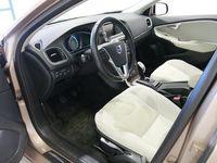 käytetty Volvo V40 D4 Momentum (MY14) - KORKOTARJOUS 0,95%