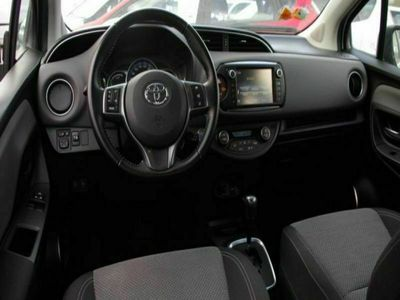 occasion Toyota Yaris III (2) HYBRID 100H BUSINESS