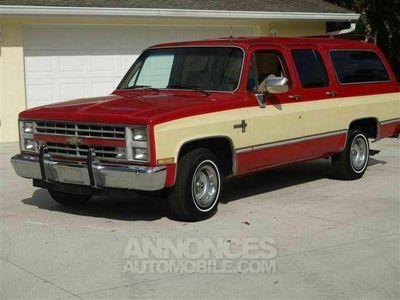occasion Chevrolet Suburban Bi-ton v8 1986 prix tout compris