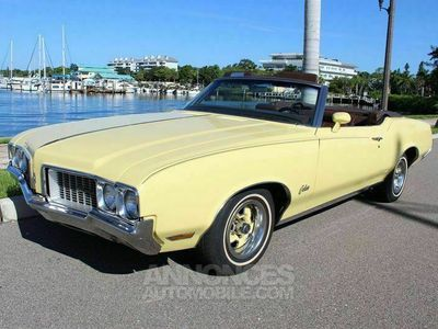 occasion Oldsmobile Cutlass Rocket 350