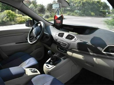 occasion Renault Grand Scénic III dCi 105 eco2 Carminat Tom Tom 5 pl