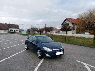 occasion Opel Astra 1.7 CDTI 110 ch FAP White Edition