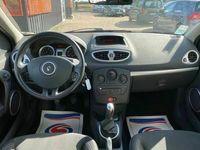 occasion Renault Clio - 3 estate 1.2 Tce 16V 100Ch SUIVI - Marron clair Métallisé