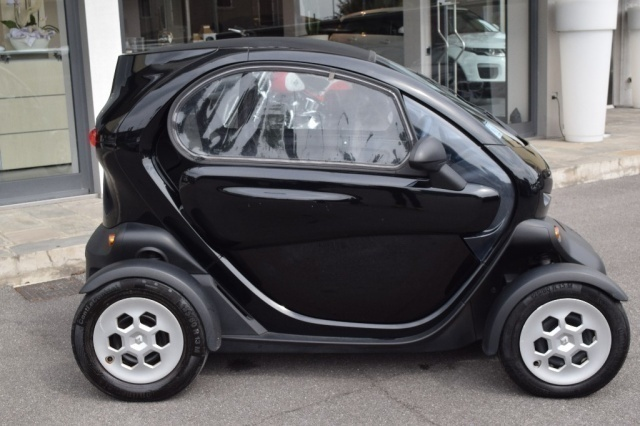 sold renault twizy 80 elettrico fi used cars for sale autouncle. Black Bedroom Furniture Sets. Home Design Ideas
