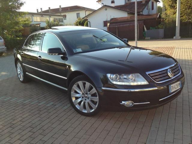 sold vw phaeton 3 0 v6 tdi dpf 4mo used cars for sale. Black Bedroom Furniture Sets. Home Design Ideas