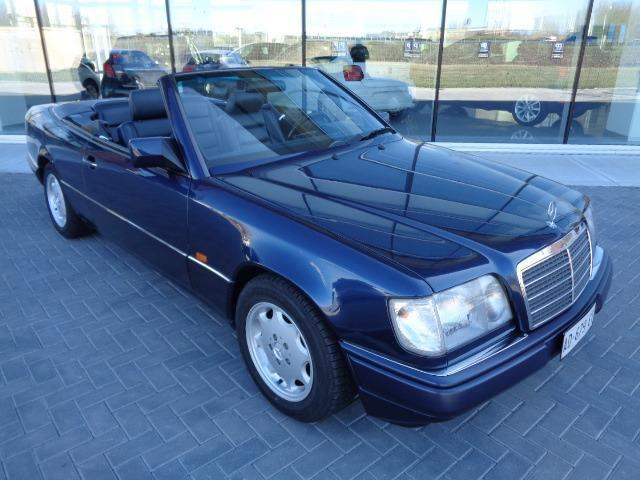 sold mercedes e200 cabrio used cars for sale autouncle. Black Bedroom Furniture Sets. Home Design Ideas
