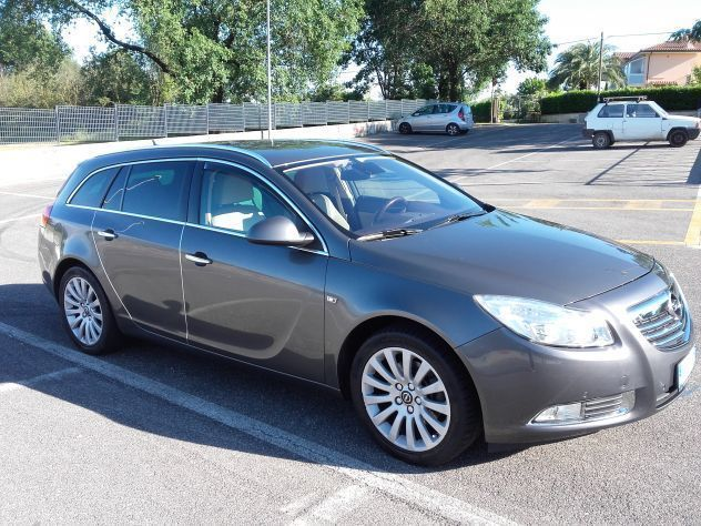 sold opel insignia sw 160cv used cars for sale autouncle. Black Bedroom Furniture Sets. Home Design Ideas