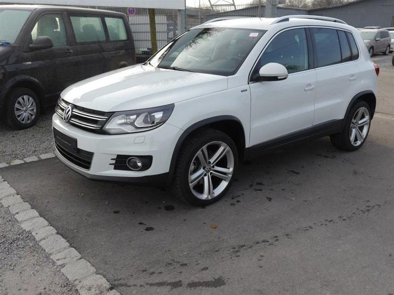 sold vw tiguan 2 0 tdi dpf lounge used cars for sale autouncle. Black Bedroom Furniture Sets. Home Design Ideas